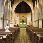Cómo decorar el altar para las diferentes estaciones en la Iglesia Católica