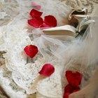 ¿Cómo agregar brillo a un vestido  de novia?
