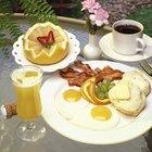 Cómo hacer un desayuno y un almuerzo ligero para una boda