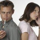 Maneiras naturais para remover em casa o cheiro de fumaça das roupas