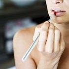 Symptoms of a Lipstick Allergy