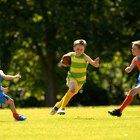 ¿Cómo ayudan los deportes a los niños en la escuela?