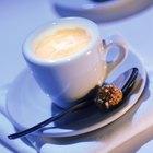 Cómo calentar leche en una cacerola para el café