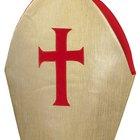 Como fazer um chapéu de bispo de papel