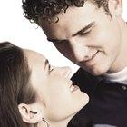 Cómo saber si una persona se siente atraída hacia ti