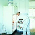 La puerta de mi refrigerador Frigidaire no cierra bien