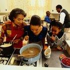 Cómo hacer una salsa marrón que tenga el sabor de la salsa de la abuela