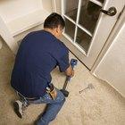 How to use a carpet knee kicker