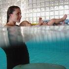 Cómo preparar un bebé para una clase de natación