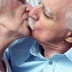 Como beijar usando dentaduras