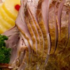 Cómo preparar jamón ahumado cortado en espiral