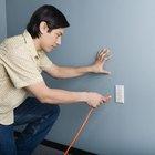 Cómo trasladar energía desde una toma de electricidad con un cable de extensión