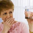 Quais produtos vão limpar dentaduras?