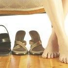 Cómo evitar que los zapatos dejen marcas negras en los pies