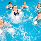 How to Mix Swimming Exercise With Weights