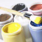 Como deixar a tinta acrílica brilhante sobre a tela