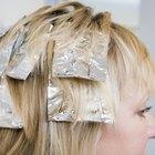 Cómo quitar los reflejos rubios del cabello