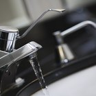 Cómo limpiar grifos cromados sin dañar el cromo