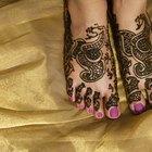 Como cuidar de uma tatuagem no pé