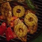 ¿Qué guarniciones van bien con el pollo hawaiano?
