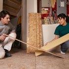 Como remover uma seção de piso laminado colado