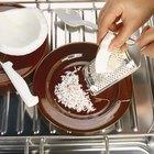Como ralar e desidratar a polpa de um coco fresco
