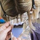 Cómo teñir y hacer reflejos usando papel aluminio