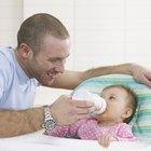 Cómo agregar cereal de arroz a los biberones para bebés con reflujo ácido