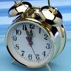 ¿Cómo funcionan los relojes de alarma?