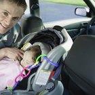 Argumentos contra dejar a los bebés dormir en el asiento del auto