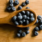 How to Dry Blueberries in the Oven