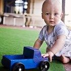 Como ensinar um bebê a sentar-se quando deitado