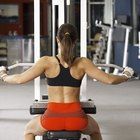 The Advantages of Weightlifting With Machines and Weights