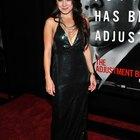 ¿Qué tipo de joyería usar con un vestido halter negro?