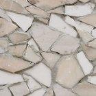 Crear diseños de mosaico con restos de azulejos