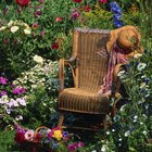 How to Paint Resin Wicker Furniture