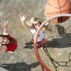 Cómo montar un aro de baloncesto sobre concreto