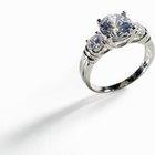 ¿Por qué las personas usan el anillo de boda en la mano derecha?