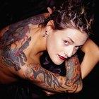 Como minimizar a dor causada por tatuagem