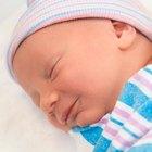 Pros y contras de envolver a tu bebé