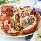 Almôndegas cobertas de cebola e bacon
