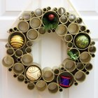 Corona de Navidad sencilla hecha de PVC