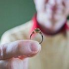 Formas de ajustar alianças de casamento