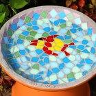 Cómo hacer un bebedero para pájaros de mosaico