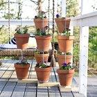 Cómo utilizar macetas para crear un jardín vertical