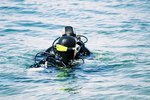 How to Scuba Dive in Arona, Italy