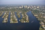 Hotels With Airport & Cruise Port Shuttle in Fort Lauderdale