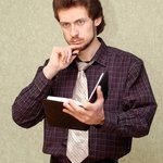 Encourage the new employee to take notes that might help him orient to his environment.