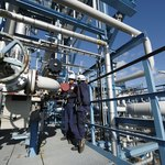 Some jobs available on oil rigs can include oil well drillers and petroleum engineers.