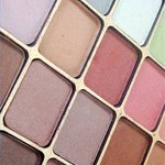 Pick the best eye shadow colors